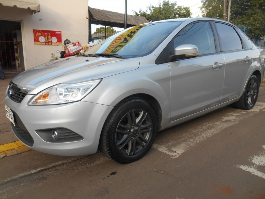 focus sedan glx 2.0 flex aut. 2011 passo fundo