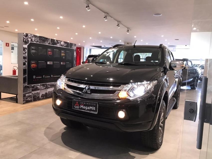 Image Mitsubishi L200 Triton Hpe S Diesel 4p Automatico 2020